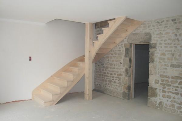 escalier 1/4 tournant en sapin