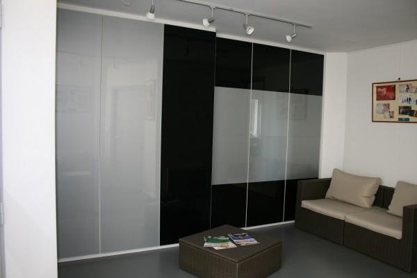 Portes de placard coulissantes en verre laqué